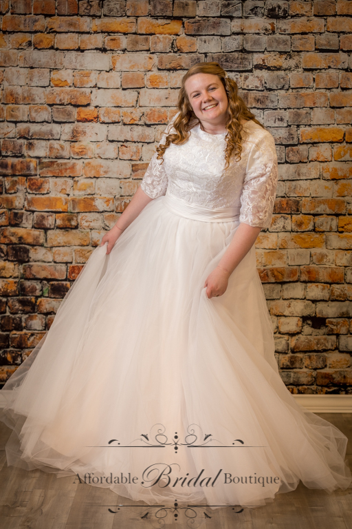 White Lace Dress With Tulle Skirt M106 W Size 18