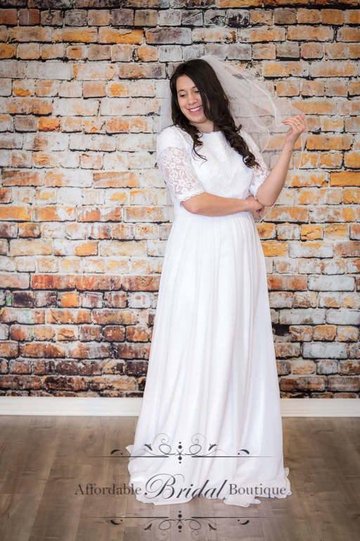 White Sheath Wedding Dress (D124 Size 14)